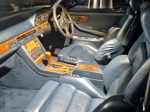 500SEC-interior.jpg