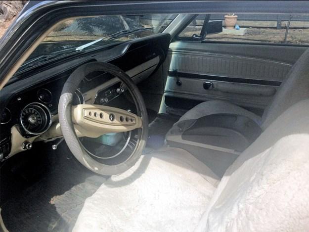 Mustang-GT-interior.jpg