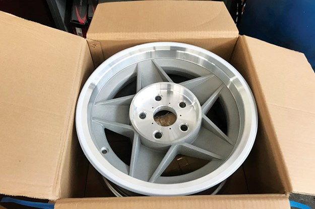 ford-falcon-xb-gt-tribute-wheel-3.jpg