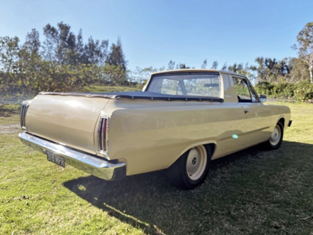 VG-Dodge-ute-rear-side.jpg