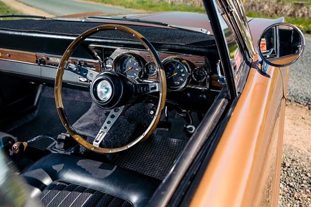 ford-xr-falcon-dash-2.jpg
