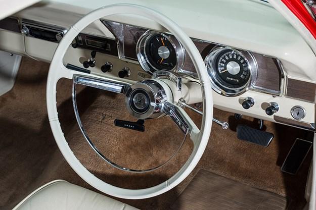 ford-xr-falcon-dash.jpg