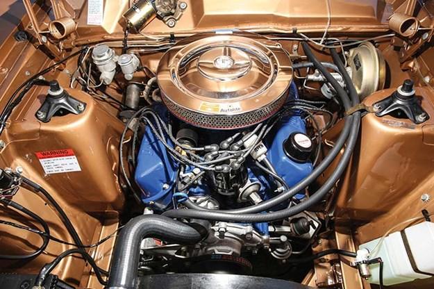 ford-xr-falcon-engine-bay-2.jpg