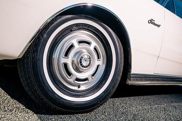 ford-xr-falcon-wheel.jpg