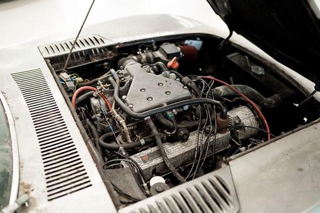 toyota-2000gt-engine-bay.jpg