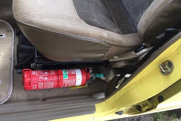 mitsubishi-pajero-fire-extinguisher.jpg