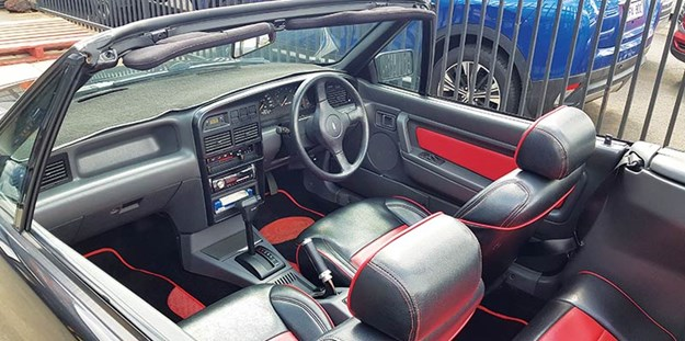 ford-capri-interior-2.jpg