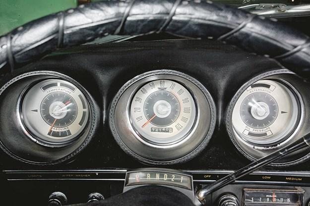 ford-torino-talledega-dash.jpg