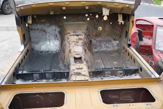 datsun-240z-build-37.jpg