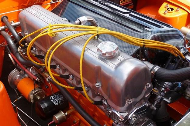 datsun-240z-engine.jpg