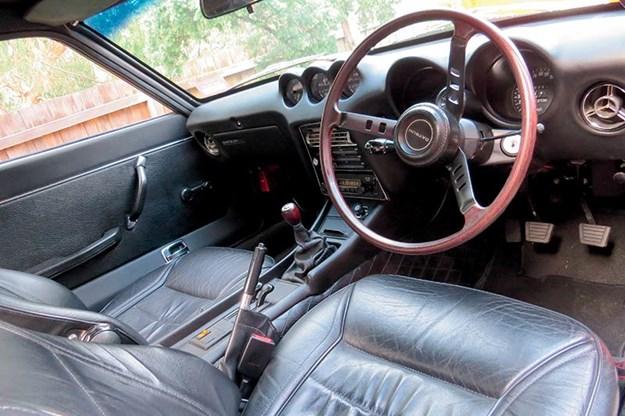 datsun-240z-interior.jpg