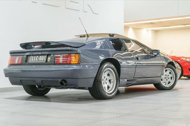 Lotus-Esprit-Turbo-rear-side.jpg