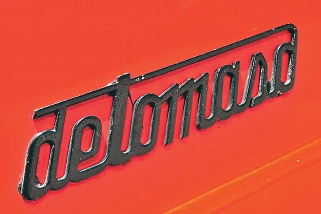 de-tomaso-badge.jpg