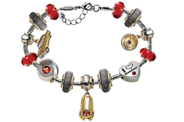 holden-charm-bracelet.jpg