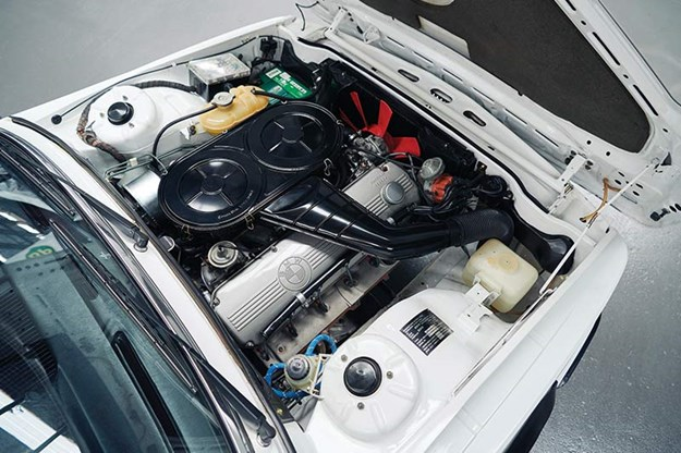 bmw-e12-530-mle-engine-bay.jpg