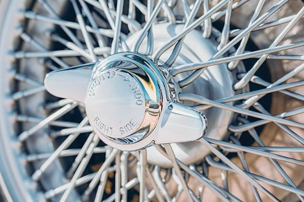 aston-martin-db2-4-mark-iii-wheel.jpg