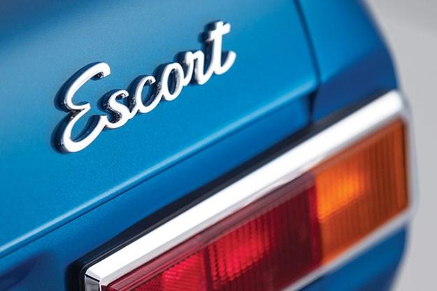 ford-escort-badge.jpg