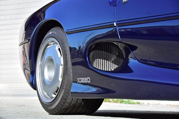 jaguar-xj220-detail.jpg