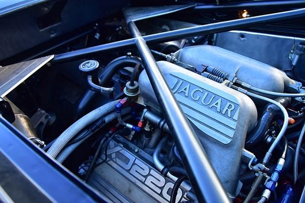 jaguar-xj220-engine-bay.jpg