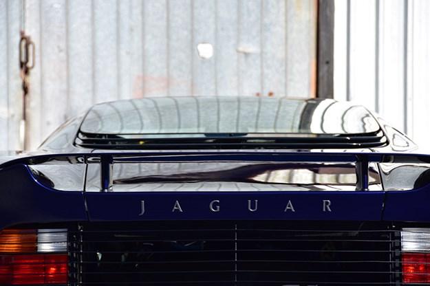 jaguar-xj220-rear.jpg