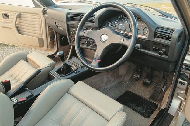 bmw-e30-interior.jpg
