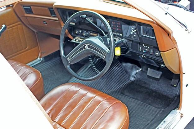 hdt-hz-panel-van-interior.jpg