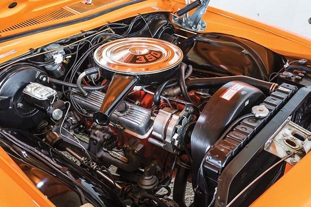 holden-hq-monaro-engine-bay.jpg