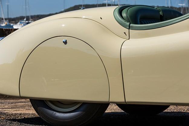 jaguar-xk120-detail-2.jpg