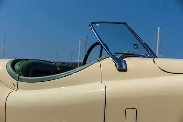 jaguar-xk120-detail.jpg