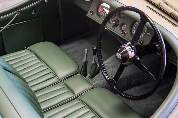 jaguar-xk120-interior.jpg