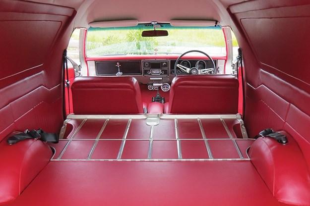 holden-hg-panelvan-rear-cargo.jpg