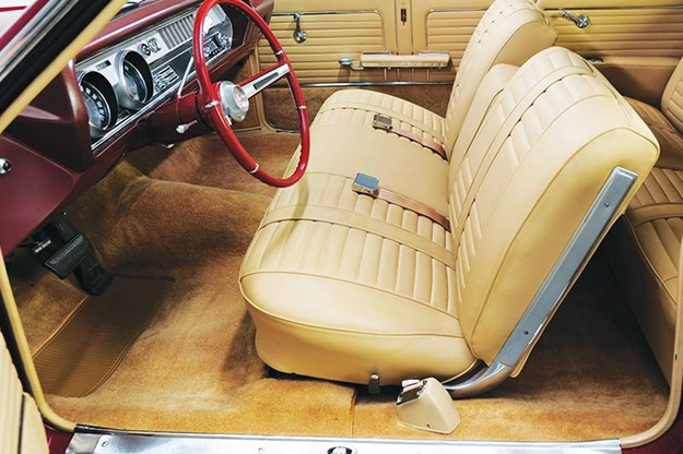 oldsmobile-cutlass-interior.jpg