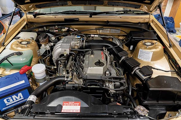 holden-vl-commodore-2-engine-bay.jpg