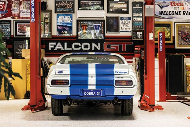 ford-falcon-xc-cobra-rear.jpg