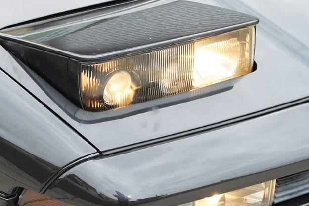 bmw-850-headlight.jpg