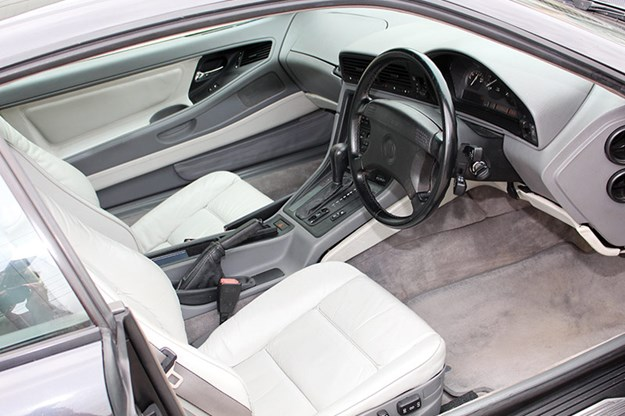 bmw-850-interior.jpg