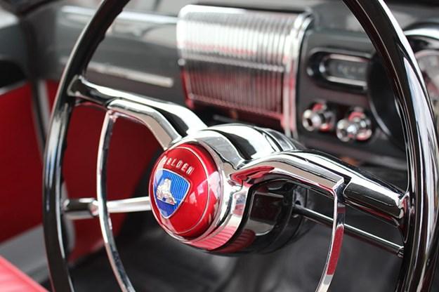 holden-fc-steering-wheel.jpg