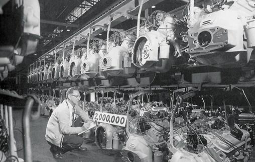 1960-pontiac-engine-assembly-line.jpg