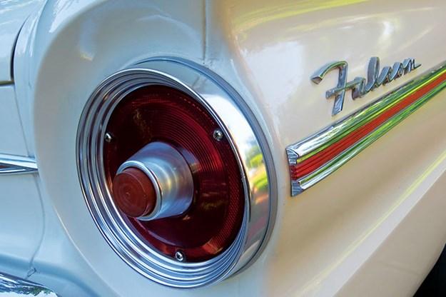 ford-futura-tail-light.jpg