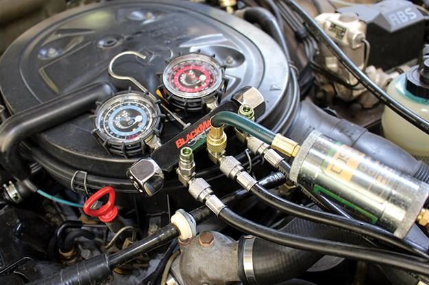 mercedes-benz-engine-bay-2.jpg
