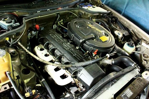mercedes-benz-engine-bay.jpg
