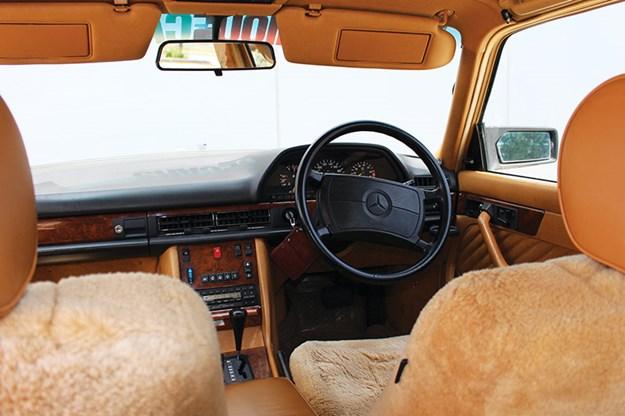 mercedes-benz-interior.jpg