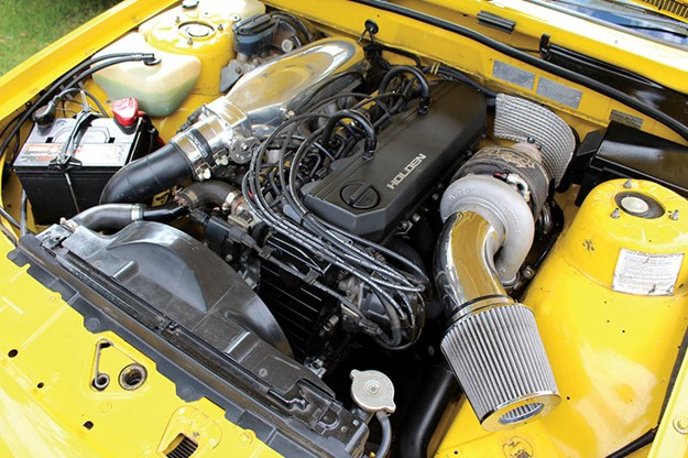 holden-vl-turbo-engine-bay.jpg