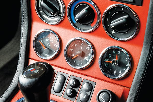 bmw-m-coupe-console.jpg