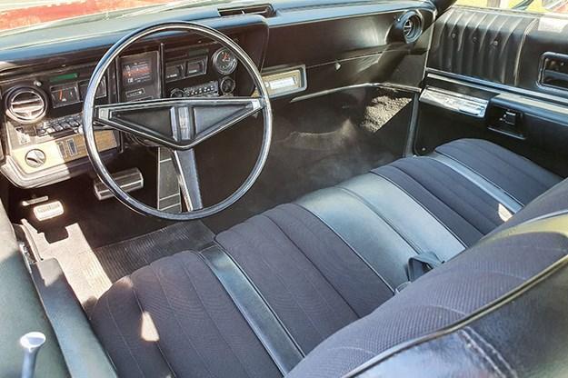 oldsmobile-toronado-interior.jpg