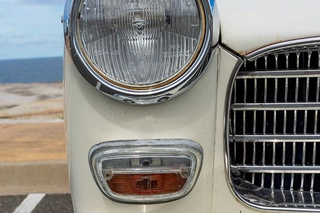 peugeot-404-headlight.jpg