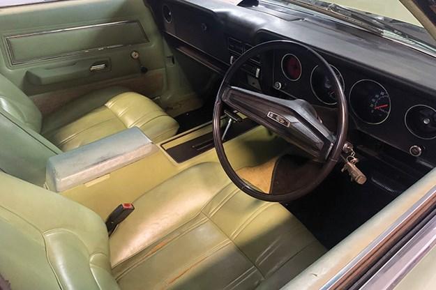 ford-xd-fairmont-interior.jpg