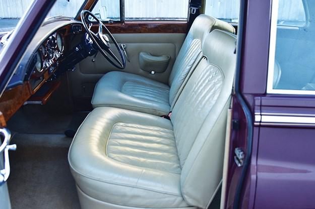 rolls-royce-silver-cloud-seats.jpg
