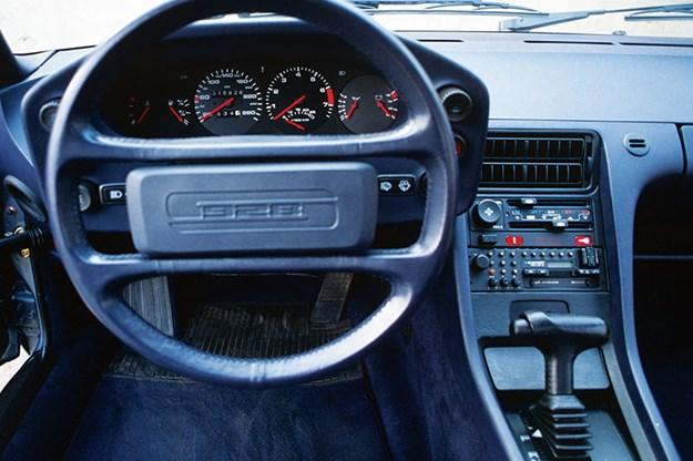 porsche-928-dash.jpg