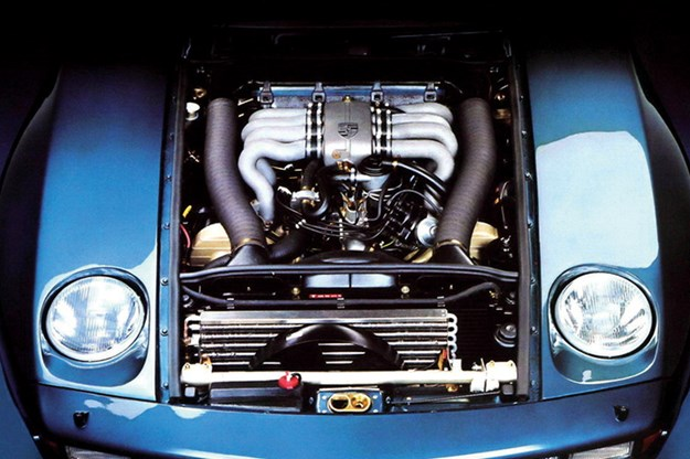 porsche-928-engine-bay.jpg